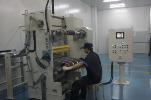 衡远锂电池工厂无尘车间内景-衡远磷酸铁锂电池工厂投产 吉利身影隐现