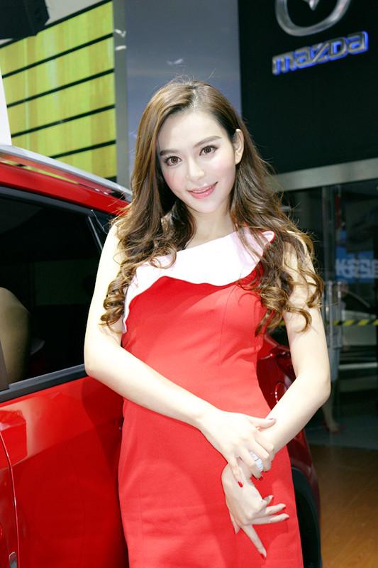 长安马自达展台模特